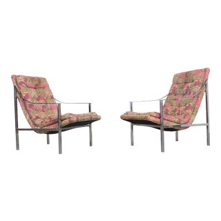 Pair of Mid-Century Modern Milo Baughman Style Chrome Scoop Seat Lounge Chairs For Sale