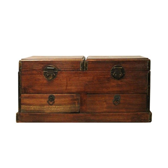 Asian Chinese Huali Rosewood Mother of Pearl Inlay Jewelry Storage Box Chest For Sale - Image 3 of 9