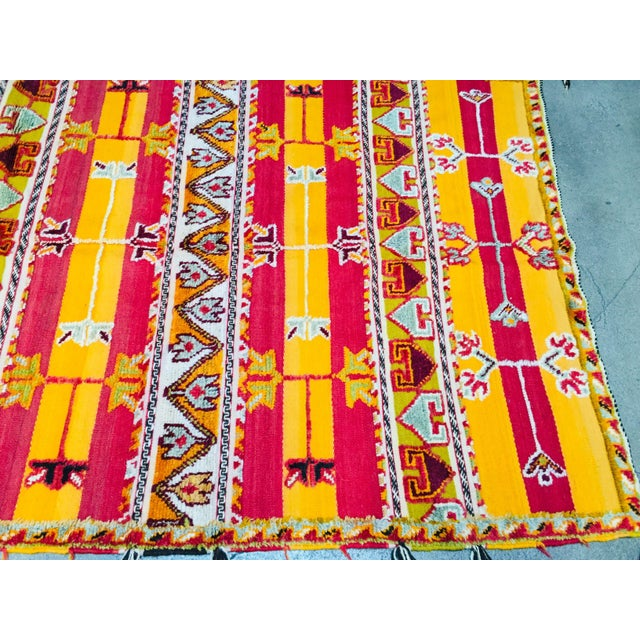 Moroccan Vintage Tribal Rug - 4′9″ × 6′11″ For Sale In Los Angeles - Image 6 of 13