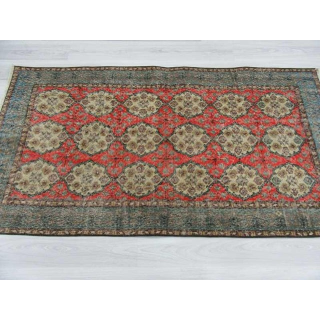 What Makes Turkish Rugs Great How You Can Read The Design Of A Turkish Rug: Vintage Floral Design Turkish Rug - 3′9″ × 6′11″