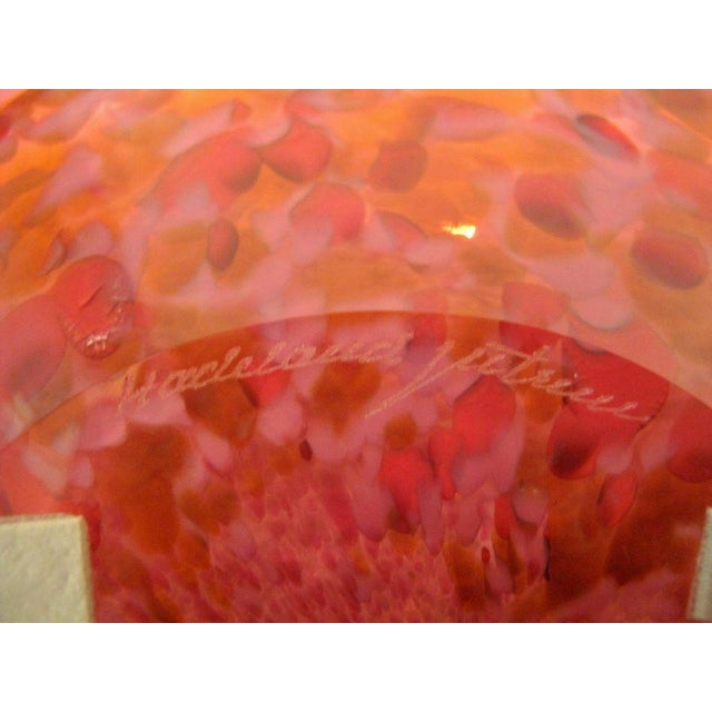 Late 20th Century Vintage Arne Jon Jutrem Norway Large Clear Cased Pink Red Speckled Shallow Bowl Plate For Sale - Image 5 of 7