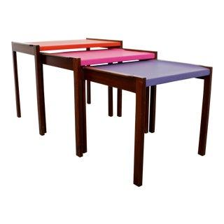 Mid Century Modern Walnut Vinyl Nesting Side Tables Jens Risom Pink - Set of 3 For Sale