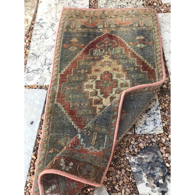 """Slate Gray Hand Made Vintage Turkish Rug - 1'5"""" X 3' For Sale - Image 8 of 9"""
