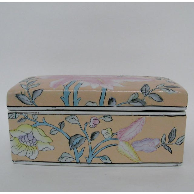 Asian Chinese Porcelain Lotus Box For Sale - Image 3 of 8