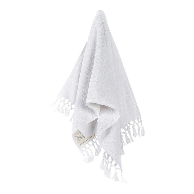 Plush & Bare Handmade Organic Cotton Hand Towel in White For Sale