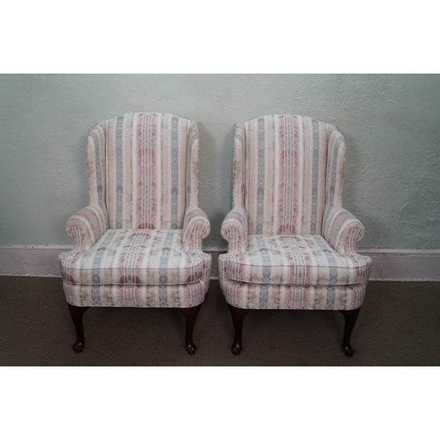 Thomasville Clean Pair of Traditional Queen Anne Wing Chairs AGE/COUNTRY OF ORIGIN: Approx 18 years, America...