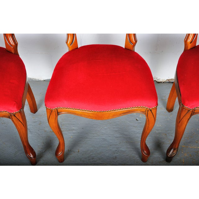 Vintage Set of 4 French Louis XV Maple Dining Chairs W/ Red Velvet Upholstery For Sale In New York - Image 6 of 11