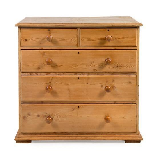 19th Century Traditional Pine Chest of Drawers For Sale - Image 4 of 4