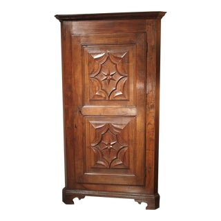 17th Century Italian Walnut Wood Corner Cabinet For Sale