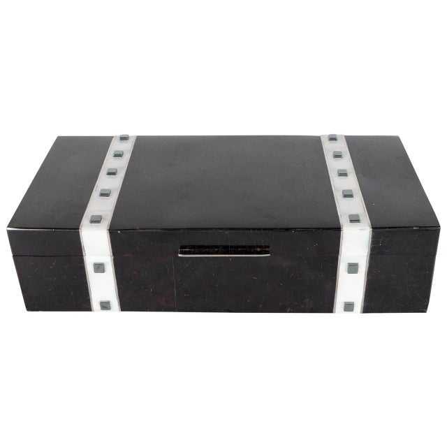 Black Lacquer Cracqueleur Box with Kabibi Inlay and Art Deco Square Motif For Sale - Image 11 of 11