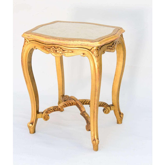 Italian Carved Giltwood Accent Table With Mirrored Top For Sale - Image 3 of 10