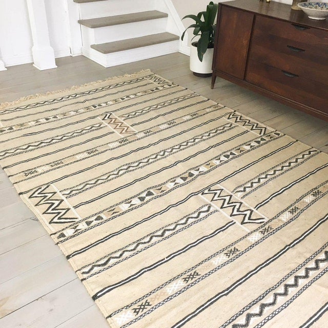 Neutral Moroccan Kilim Rug - 6′1″ × 7′8″ - Image 4 of 5