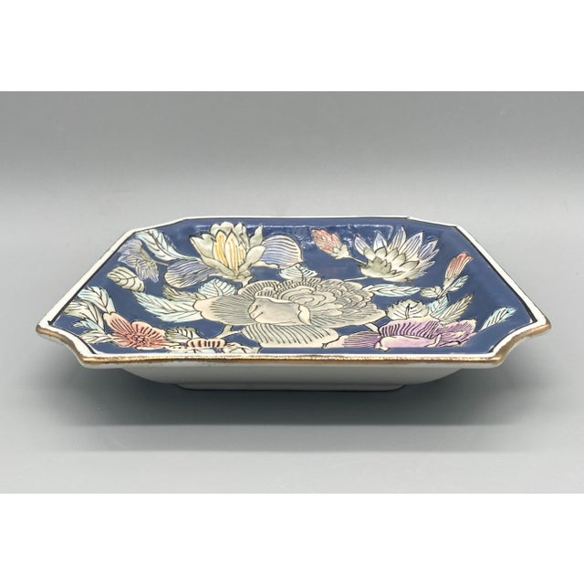 Chinoiserie 20th Century Chinoiserie Blue and Pink Floral Vide Poche/Catchall Dish For Sale - Image 3 of 6