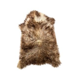 """Contemporary Natural Sheepskin Pelt - 2'2""""x2'10"""" For Sale"""