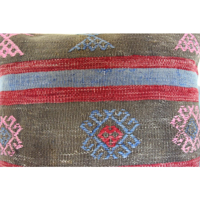 Mediterranean 20 Inched Large Vintage Turkish Handmade Wool Large Pink Kilim Pillowcase For Sale - Image 3 of 7
