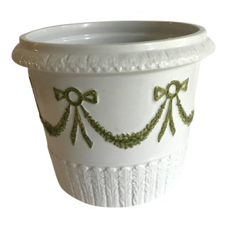Mid 19th Century Bow Laurel Hollywood Regency Italian Ceramic Cachepot Planter For Sale