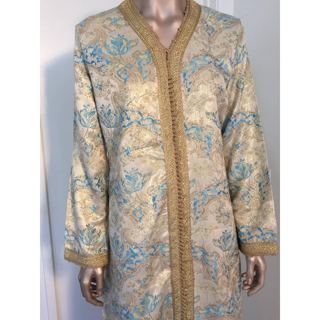Islamic Moroccan Turquoise and Gold Brocade Kaftan Size Medium For Sale - Image 3 of 9