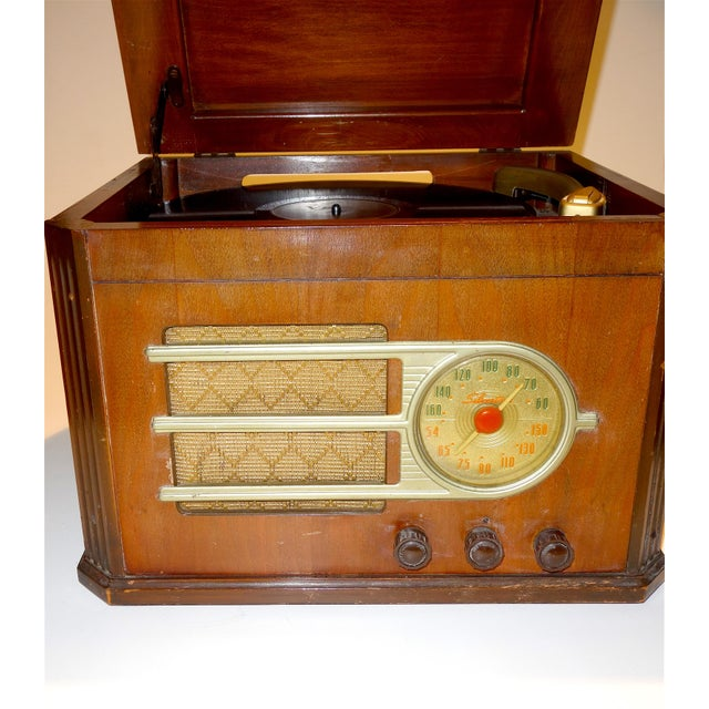 Circa 1946 'Silver Tone' Console Antique Table Radio and Phonograph Combination For Sale - Image 4 of 5