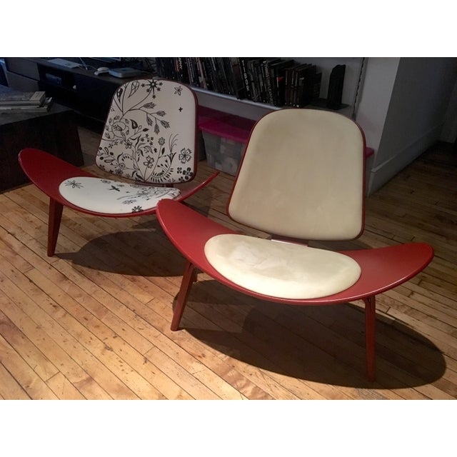 Modern Carl Hansen & Son Ch07 Shell Chairs - A Pair For Sale - Image 10 of 10