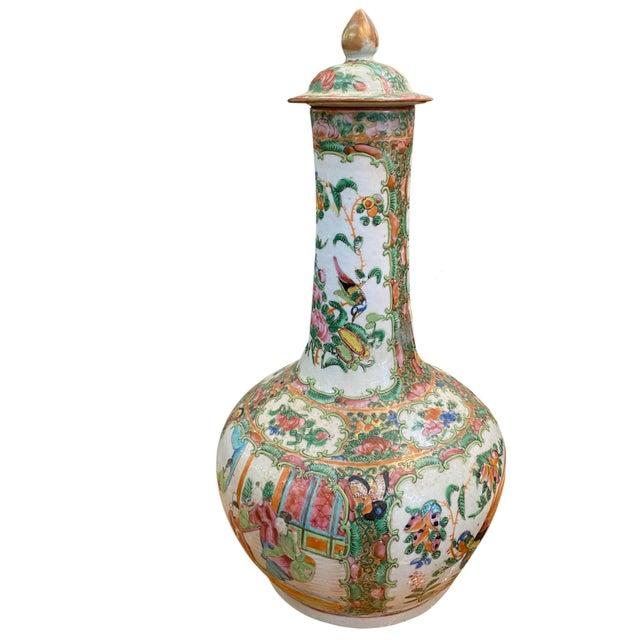 Chinese Antique Rose Medallion Bottle Lidded Vase For Sale - Image 3 of 6