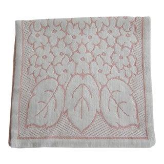 1930s/1940s Vintage Pink & White Floral Hand Guest Towel Bathroom Linen For Sale