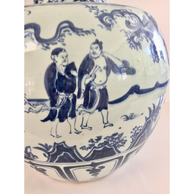 Chinese Blue and White Double-Gourd Form Porcelain Vases - a Pair For Sale - Image 4 of 10