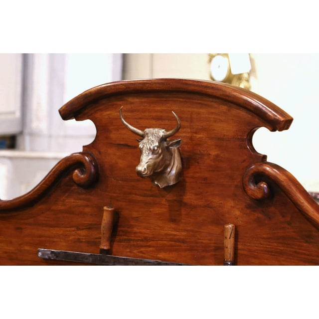 19th Century French Carved Butcher Block With Back and Bronze Cow Head For Sale - Image 4 of 13