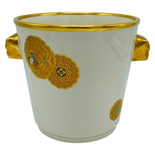 1970s Italian Mottahedeh White and Gold Chinese Medallion Champagne Bucket For Sale