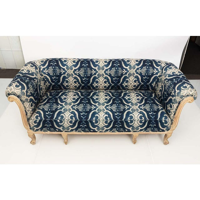 Wood Antique French Chesterfield Sofa in Indigo Ikat Print Linen For Sale - Image 7 of 13