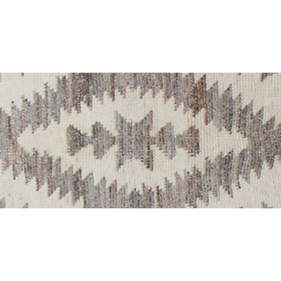 "Modern Hand Knotted Navajo Style Rug- 7'8"" x 10'2"" For Sale - Image 3 of 4"