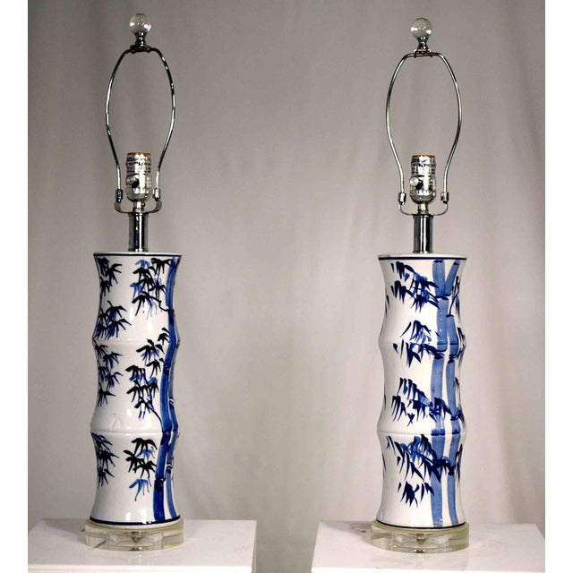 Contemporary Chinoiserie Blue and White Bamboo Motif Table Lamps - a Pair For Sale - Image 4 of 9