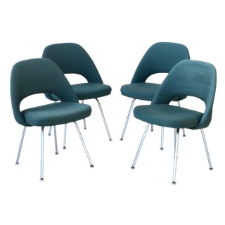 Mid Century Saarinen for Knoll Executive Armless Set of Four Chairs For Sale