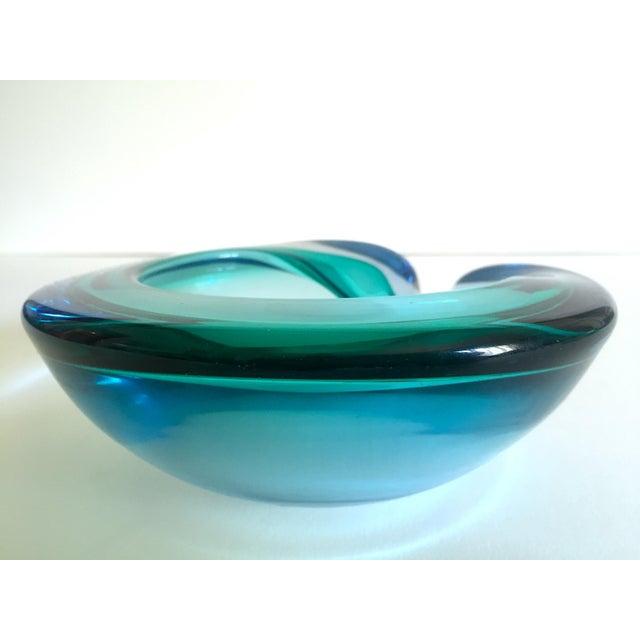 Vintage Mid Century Modern Rare Flavio Poli Seguso Vetri D' Arte Murano Art Glass Sommerso Bowl Ashtray For Sale - Image 9 of 13