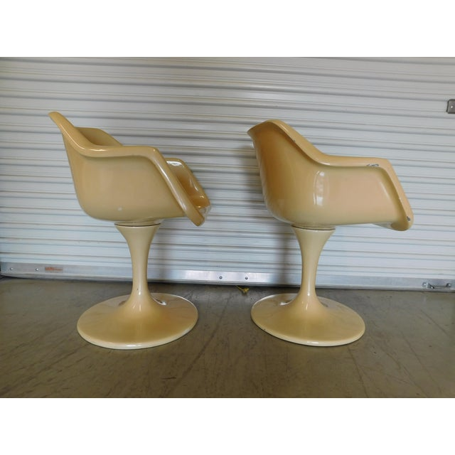 Mid-Century Saarinen Style Fiberglass Swivel Tulip Chairs - A Pair For Sale - Image 4 of 11