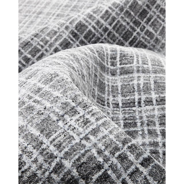 2020s Wesley, Contemporary Modern Loom Knotted Area Rug, Charcoal, 4 X 6 For Sale - Image 5 of 10