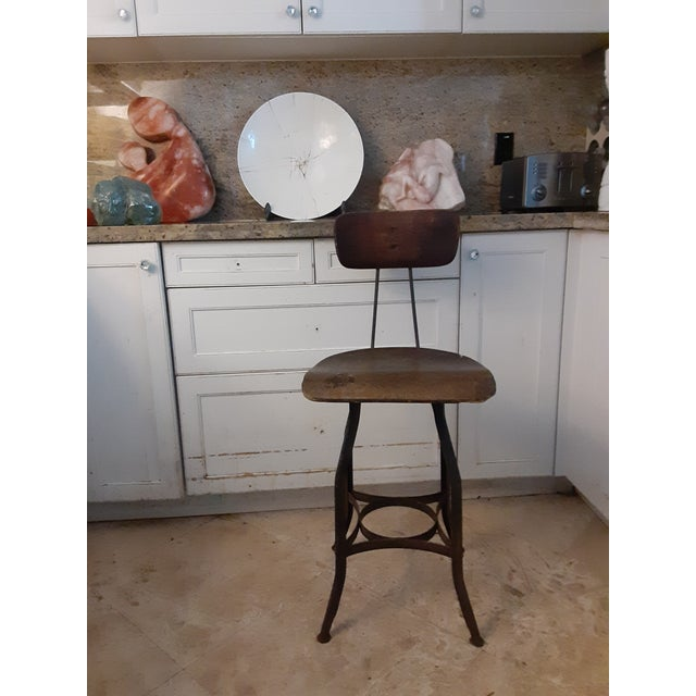 Rustic 19th Century Vintage French Drafting Wood and Iron High Stool For Sale - Image 3 of 9