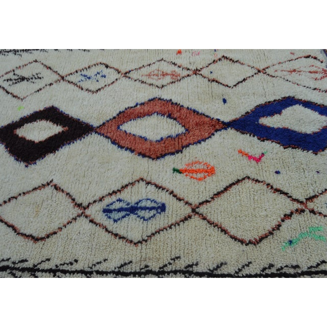 Vintage Moroccan Azilal Rug - 8'7'' x 4' For Sale - Image 4 of 7