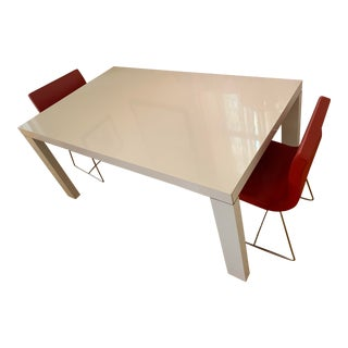 Minimalist Ligne Roset Fashion Extandable White Glossy Lacquer Dining Table For Sale