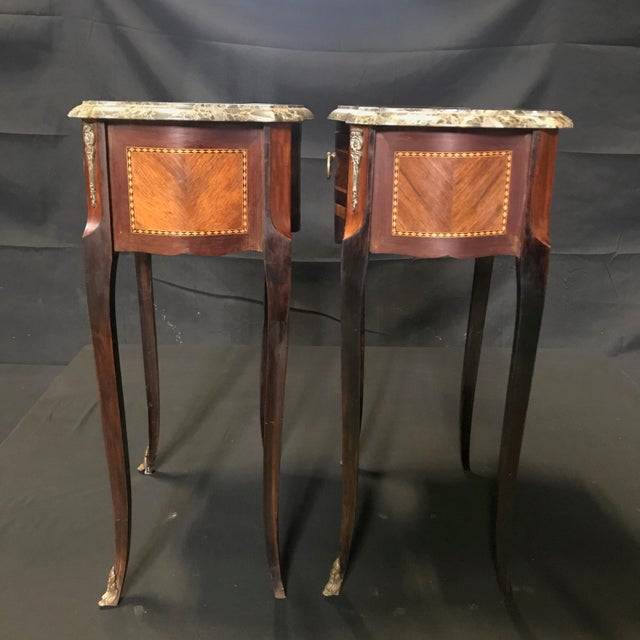 1900 - 1909 French Vintage Mahogany & Satinwood Inlay Night Stands With Marble Tops -A Pair For Sale - Image 5 of 12