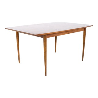 Broyhill Sculptra Mid Century Walnut Surfboard Expanding Dining Table With 2 Leaves For Sale