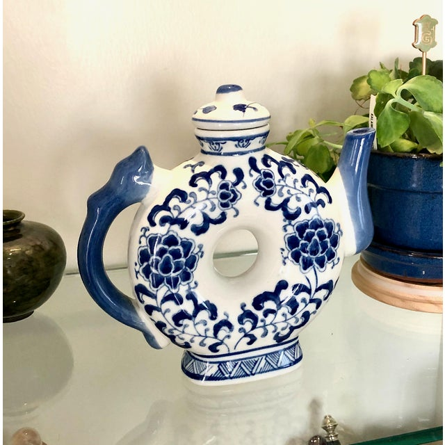 Blue Round Teapot in Blue and White Chinoiserie For Sale - Image 8 of 11
