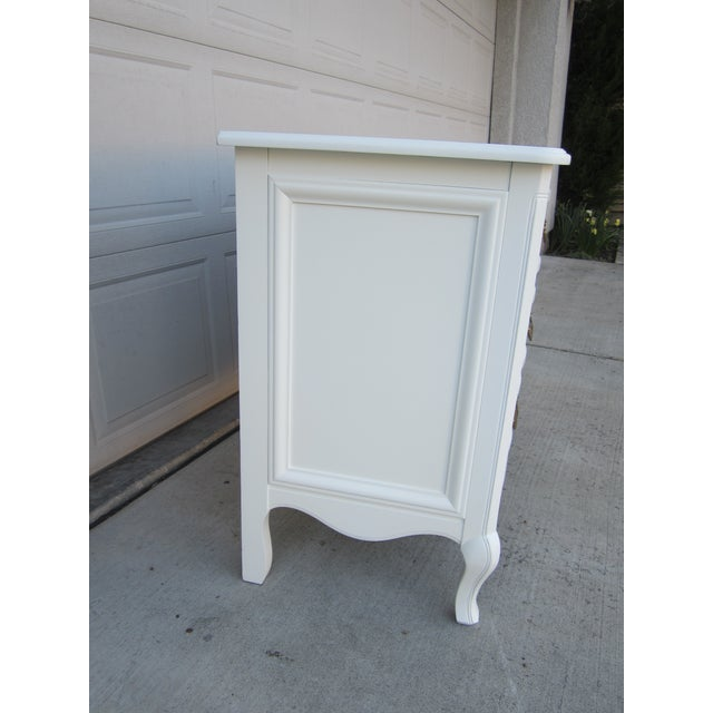 Drexel White Vintage French Country Dresser - Image 8 of 9