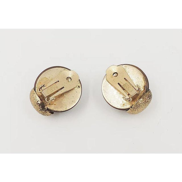 Resin 1950s Napier Brown Moonglow Textured Earrings For Sale - Image 7 of 9