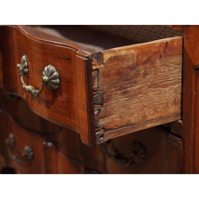Louis XV Walnut Commode For Sale In New Orleans - Image 6 of 9