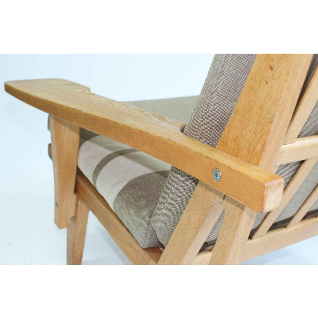Early 20th Century Pair of Wide Arm Lounge Chairs by Hans Wegner For Sale - Image 5 of 9
