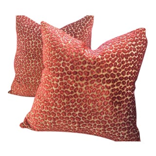 """Colefax & Fowler Pillows in """"Wilde"""" Red & Pink Raised Velvet - a Pair For Sale"""