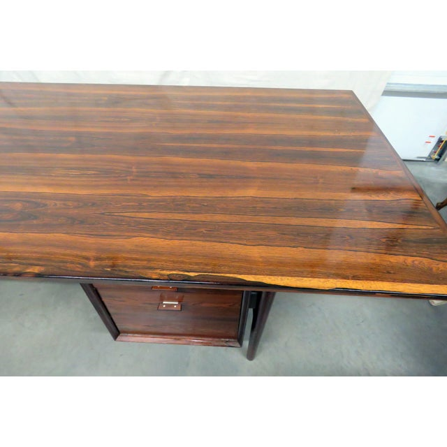 Large Mid-Century Modern Rosewood Desk For Sale - Image 4 of 11