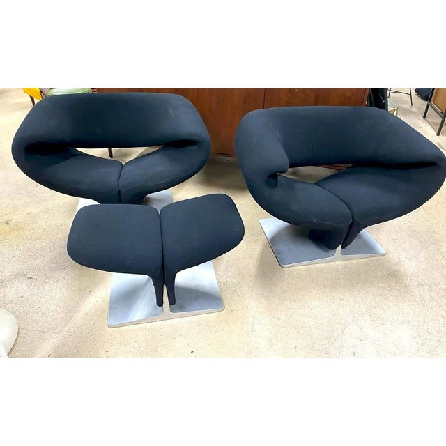 The Ribbon Chair is among one of the most comfortable chairs ever. The bold contoured form allows the user to assume a...