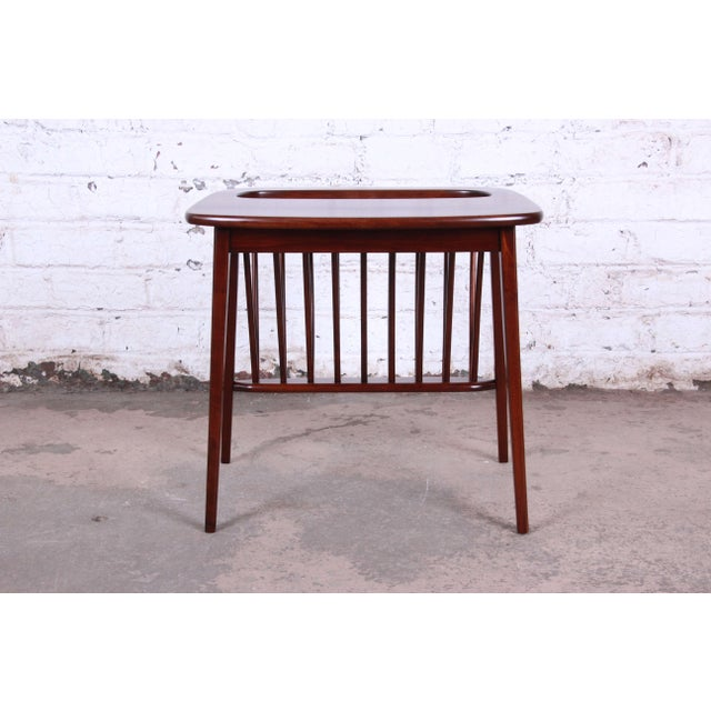 Arthur Umanoff Mid-Century Modern Walnut Magazine Rack Side Table For Sale In South Bend - Image 6 of 7