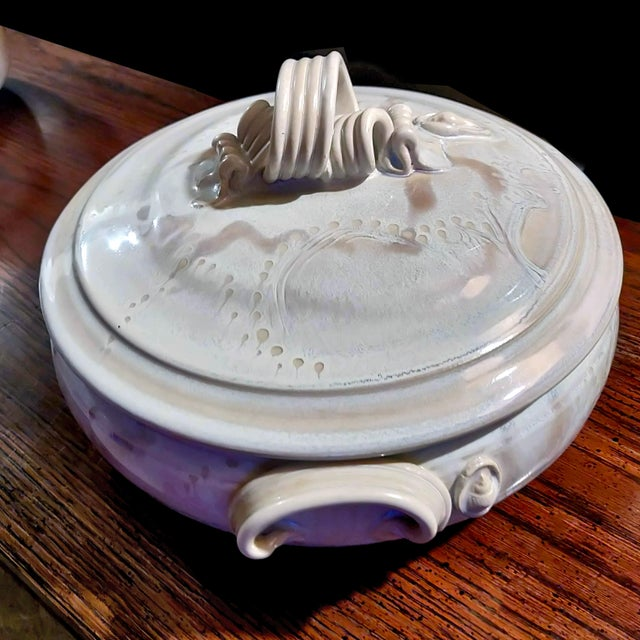 """Ceramic Studio Beauceware """"Oven-To-Table"""" Covered Casseroles Signed Garnier - a Pair For Sale - Image 7 of 12"""